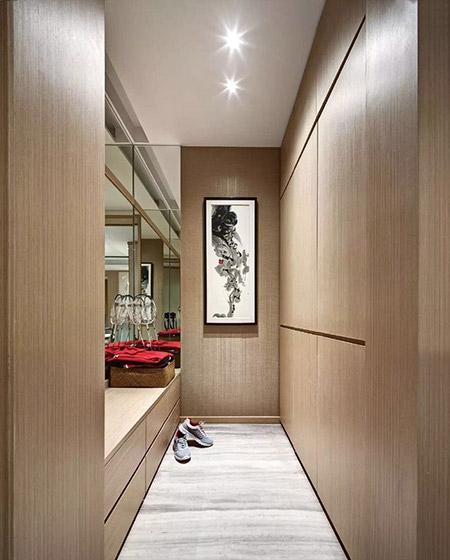 120平中式样板房步入式衣帽间设计