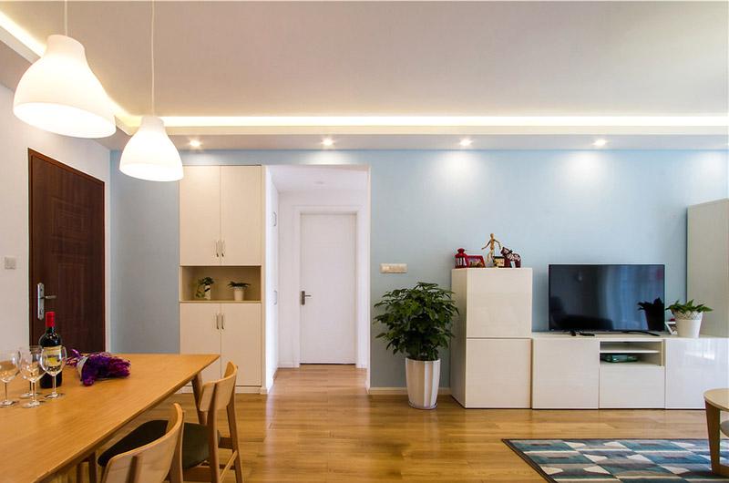 舒适宜家风客厅 浅蓝色背景墙设计