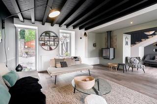 法式风格小复式客厅吊顶装修