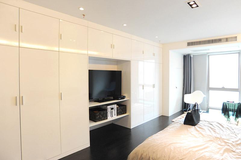 80平loft风格两居整体衣柜设计