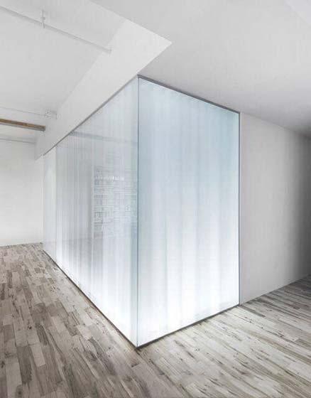 玻璃隔断布置装修效果图