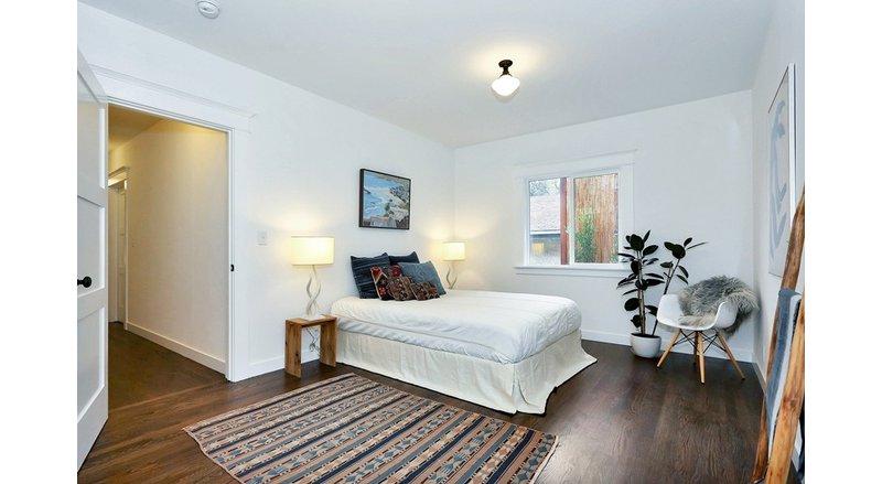 5-10万80平米欧式二居室装修效果图,简欧风格装修案例图片
