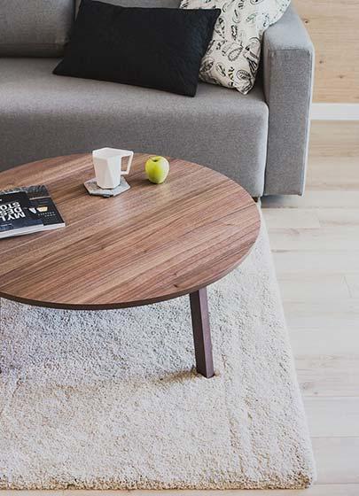 60平米单身公寓茶几图片