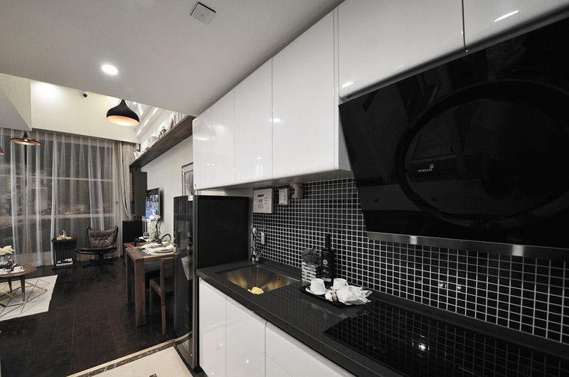 黑白配混搭风厨房橱柜效果图
