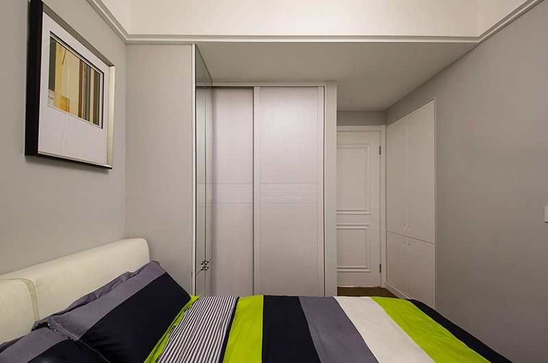 78平简约风格两居卧室衣柜图片