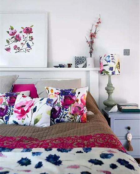彩色卧室床品效果图设计