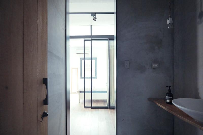 65平LOFT公寓卫生间门装修