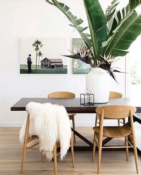 清新餐厅实木餐桌设计