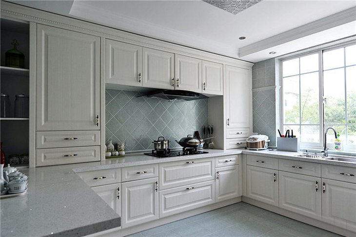 高端简欧风厨房 白色橱柜设计图片