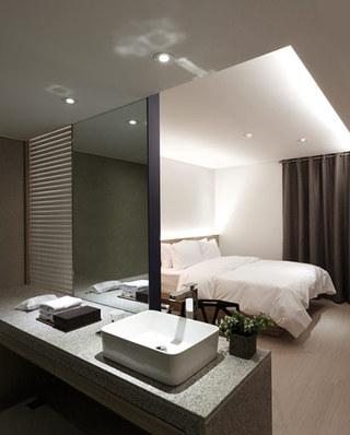 韩国酒店卧室隔断设计