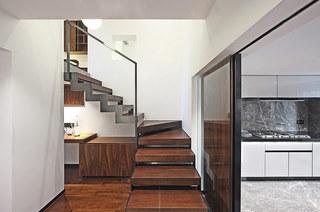 200平错层复式楼梯图片