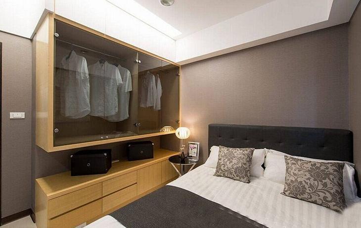 简约风格三室两厅装修卧室衣柜设计