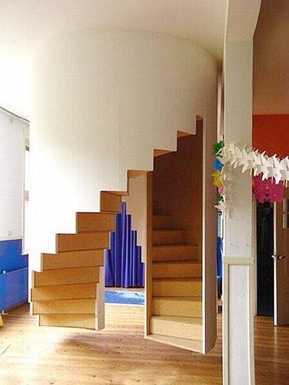 旋转楼梯设计摆放图片