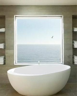 大气别墅卫生间浴缸图片