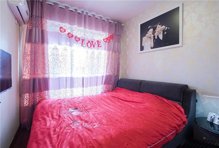 简约风格三居室装修婚房装修图片