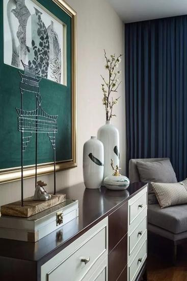简约风格联排别墅卧室展示柜图片
