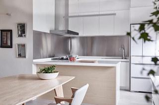 132平三居室厨房装潢图片