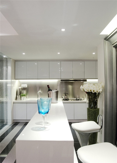 简约风格三居室装修厨房吧台隔断图