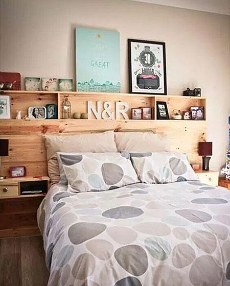 温馨木质床头效果图