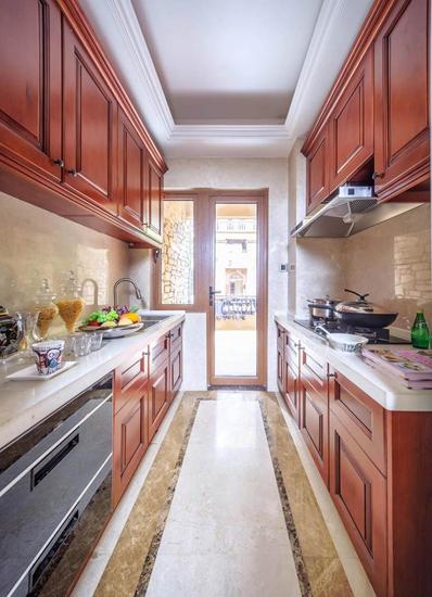 高端美式厨房 实木橱柜效果图