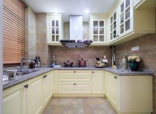 温馨法式厨房 U型橱柜效果图