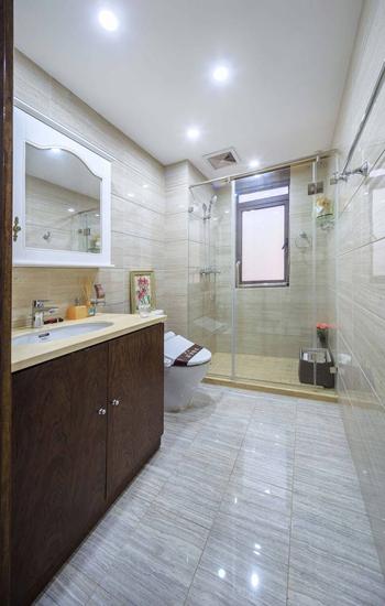 时尚简美式卫浴间过道效果图