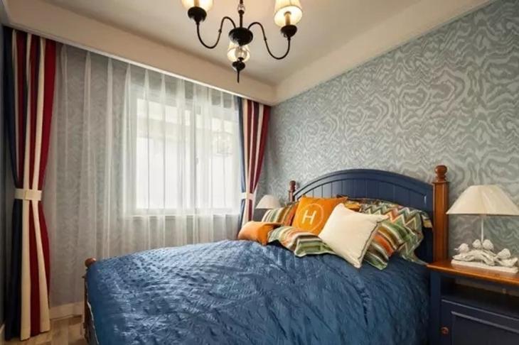 休闲美式卧室花色背景墙设计