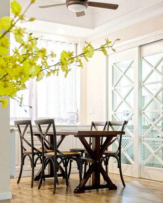 110平美式三居室餐厅装潢设计图