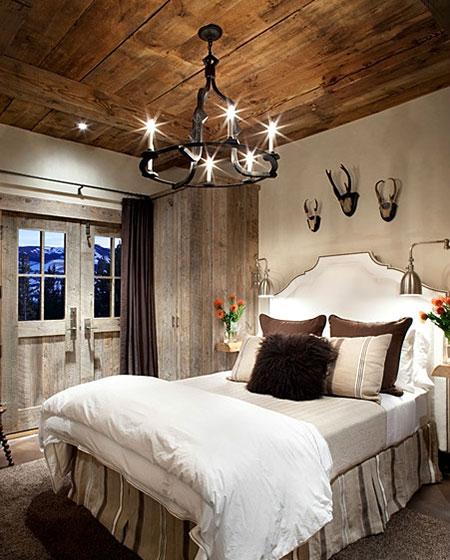 卧室木质吊顶装修图