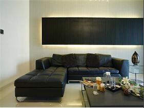 10万装简约三居室 亮丽澄净的家居空间