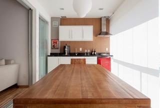 90平三居室装修实木餐桌图片