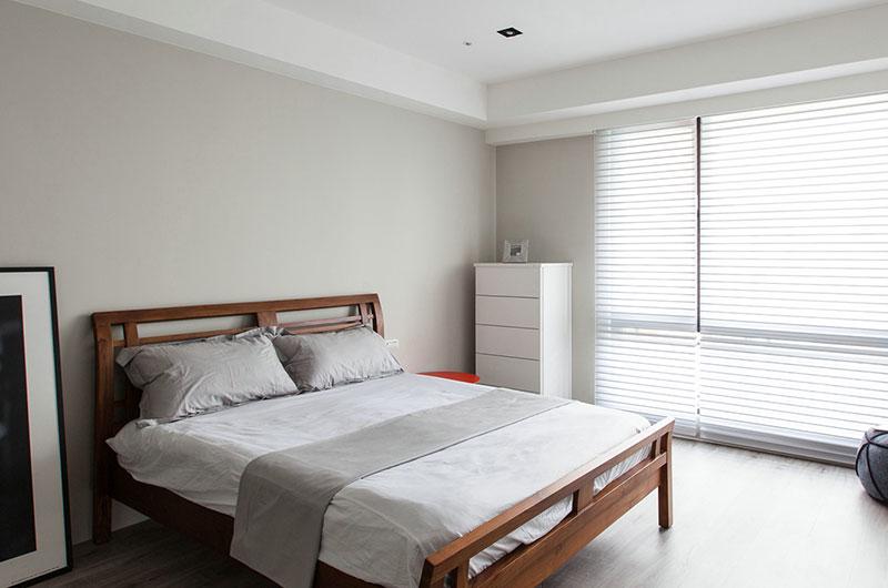 150平北欧风四房卧室床品图片