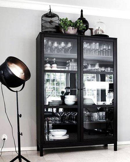黑色玻璃橱柜装修图