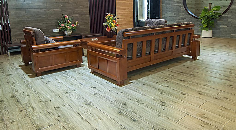 客厅地板砖什么颜色好看 地砖需要保养吗