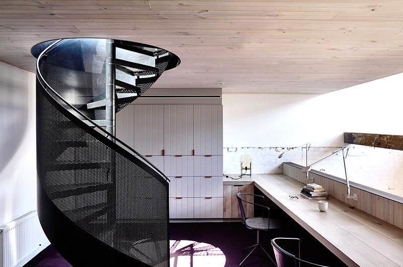 个性工业风混搭 创意旋转楼梯设计