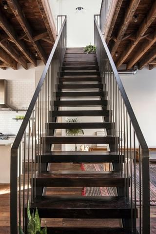 大厨房大客厅 简洁的复式装修小复式楼梯效果图