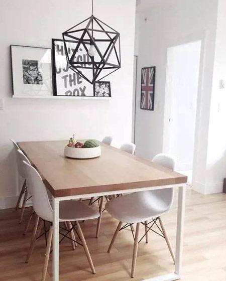 北欧风格木质餐桌图片