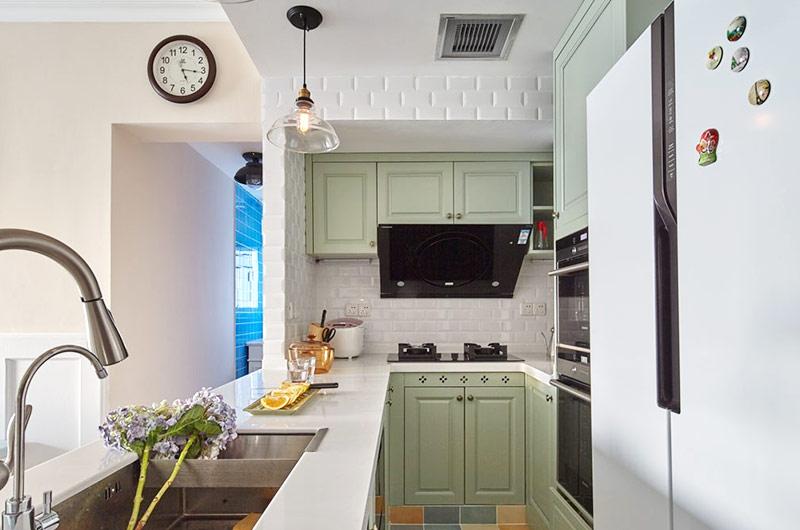 美式厨房嫩绿色橱柜设计