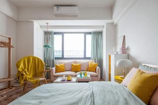 北欧风格一居室沙发抱枕图