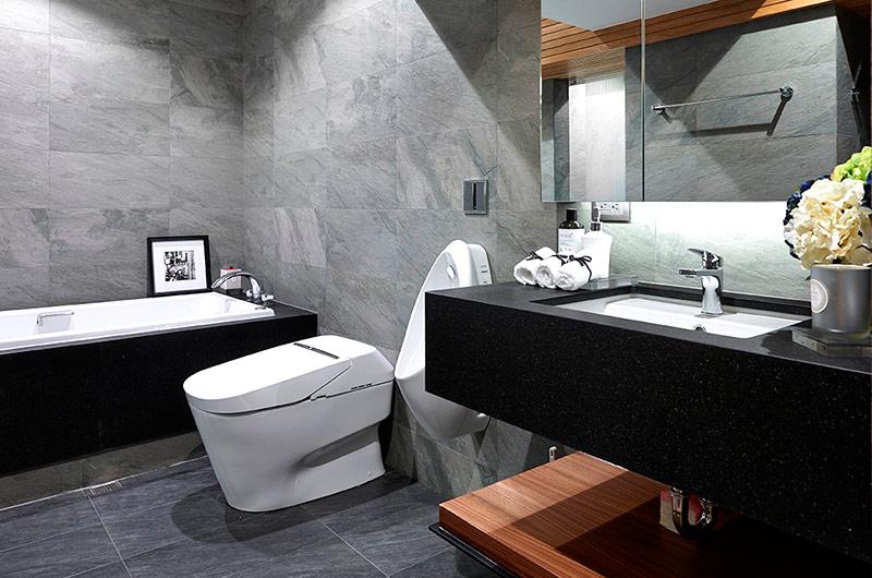 200平简约复式楼卫生间设计