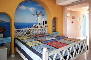 220平地中海风复式楼卧室背景墙设计