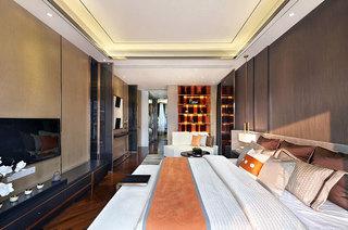 380平现代别墅主卧室效果图