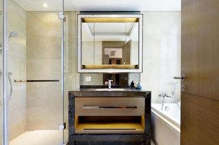 130平美式风格装修浴室效果图设计
