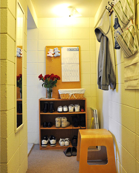 木质玄关鞋柜设计