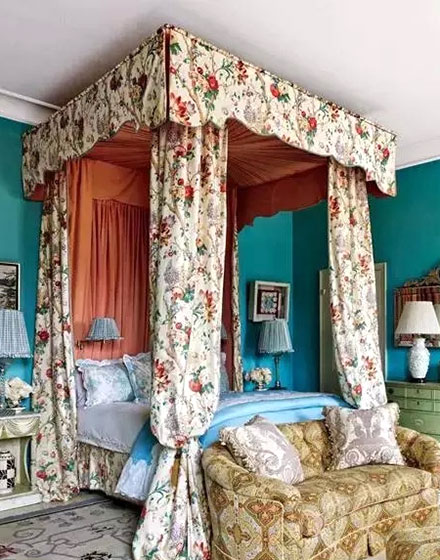 田园风格卧室床幔装饰图
