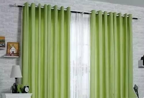窗帘是装罗马杆好还是轨道好 看完你心里就有数了