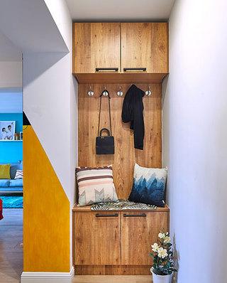 自然宜家风玄关原木鞋柜设计