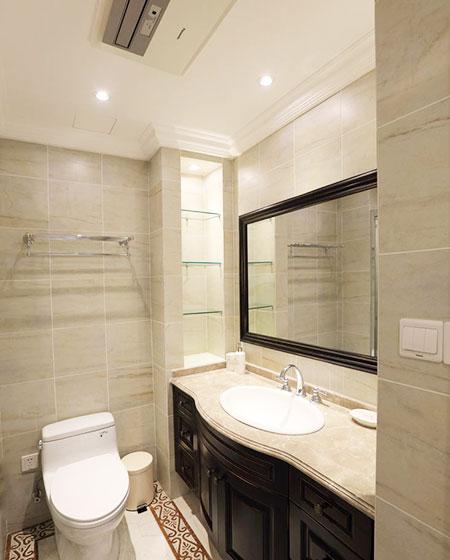 135平美式三居卫生间瓷砖贴图