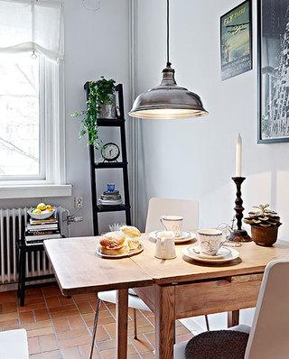小户型餐厅折叠餐桌装修图片