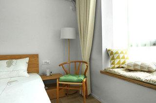 北欧卧室实木座椅装饰欣赏